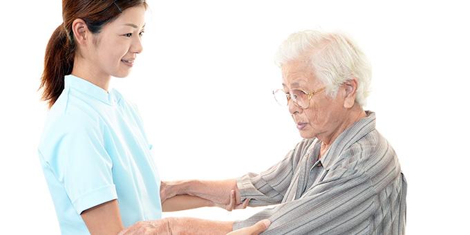 介護職の人手不足の実態と原因